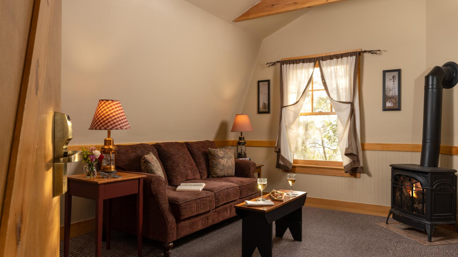 B&B Suite with Fireplace