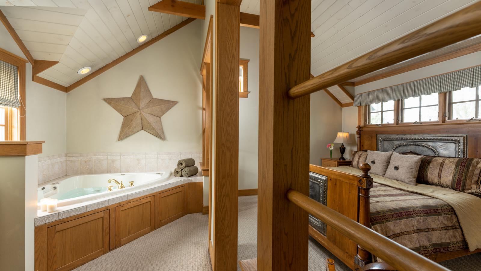 Romantic Suite with Hot Tub