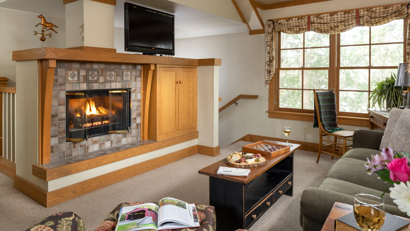 Romantic Suite with Fireplace
